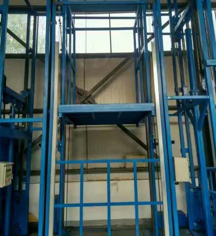 福建垂直升降货梯